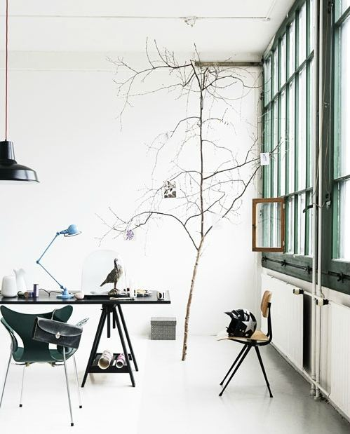 danish-style-design-lerkenfeldt-photography-white-scandinavian-style-tree-inside-desk