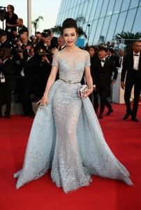Li Bingbing con un maravilloso vestido con bordados y transparencias del diseñador libanés Zuhair Murad colección Haute Couture Spring 2015.