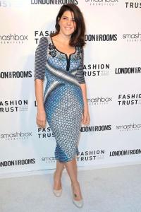 Marisa Tomei con un vestido en tonos azules de la colección Spring 2012.
