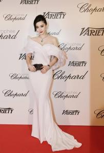Fan Bingbing con un vestido blanco de Ralph & Russo colección Spring 2015.
