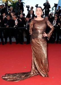 Rossy De Palma con un vestido dorado de Sophie Theallet.