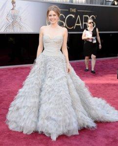 Amy Adams con el espectacular vestido de corte princesa que lució en los Oscars hace un par de años.