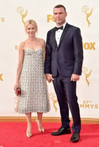 Naomi Watts, que acompañó a su marido que estaba nominad, con un vestido de la firma Dior Fall 2012.