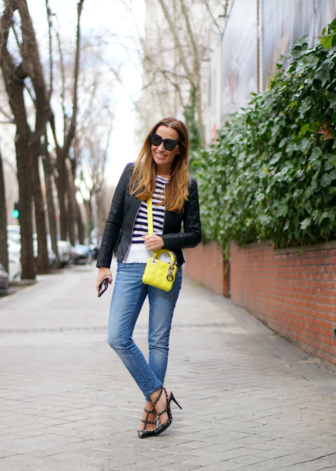 01A-street style-oxygene-oxygene fashion-my oxygene-hakei-stripes-jeans-micro lady dior-yellow-rockstud noir-valentino-shoes-con dos tacones-c2t